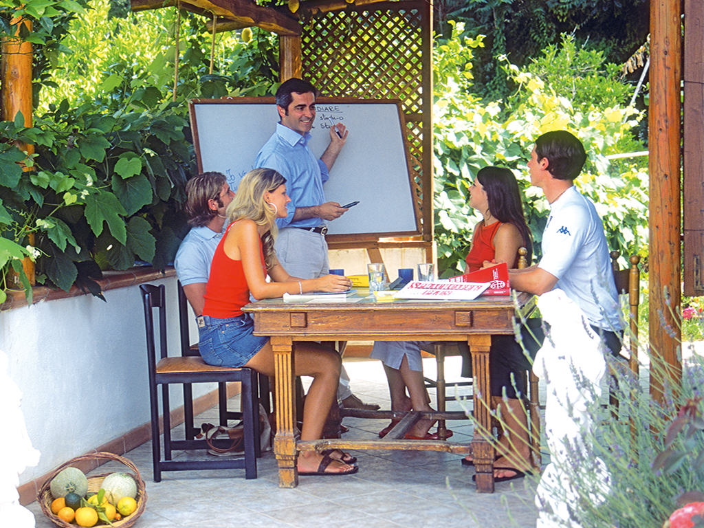 Outdoor class in Italy